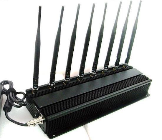 Подавитель сотовых телефонов BugHunter X8 отличается компактностью и продуманной эргономикой