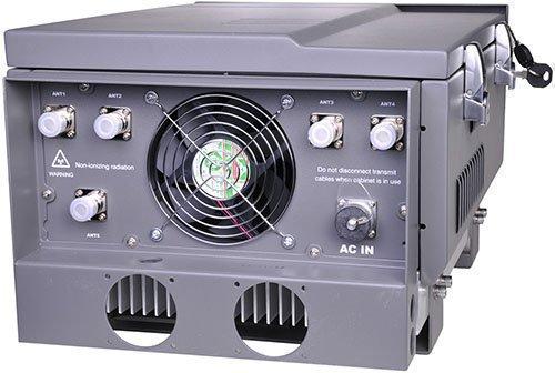 """Из-за высокой мощности подавитель """"Баргус-150W"""" и оборудован охлаждающими кулерами, отверстия для которых выведены на нижнюю панель термошкафа (нажмите на фото для увеличения)"""
