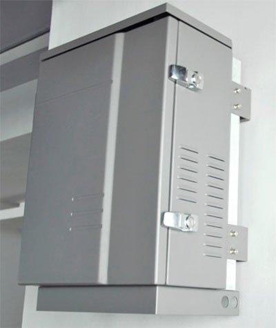 """Подавитель """"Страж-65"""" можно установить как снаружи, так и внутри помещения"""